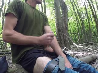 Masturbation et ejaculation en pleine foret au Québec