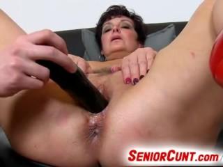 Busty lady Greta dirty pussy play with a boy