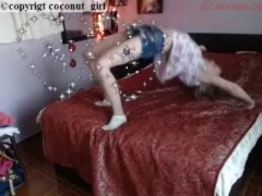Bedroom flex girl no nudity play coconut_girl1991_130217 chaturbate REC