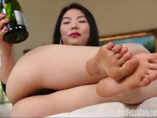 Nari Park Champagne Toes