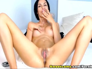 Brunette Babe Fingering Wet Pussy to Orgasm
