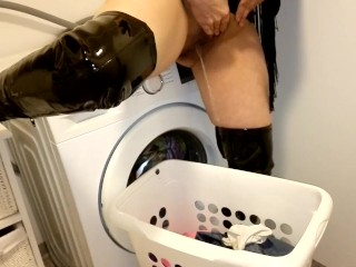 Milf pissing in laundry basket