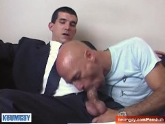 Big cock gets filmed by me in spite of this guy ! Guillaume