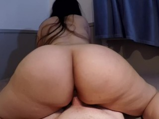 Brunette Ass xxx: THICK ASS BRUNETTE GYRATES REVERSE COWGIRL POV UNTIL HOT MESSY CREAMPIE