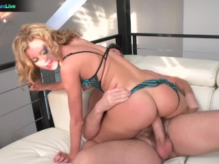 Cutie Jessie Rogers squirting all over the place