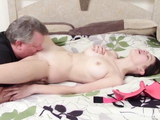 Caught By Stepdad, Sophia Blows Him Live On Her Webcam!