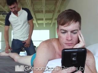 GayRoom Bedroom fuck with ginger Landon Simms