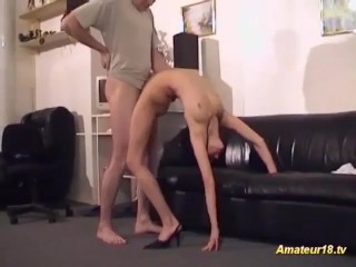 contorsionista flexible es cogida