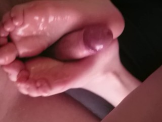 Teen oily solejob