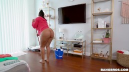 BANGBROS - Fresh Off The Boat MILF Cristal Caraballo (bb15664)