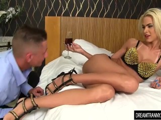 Big dick bareback in her shemale ass Barbara Perez