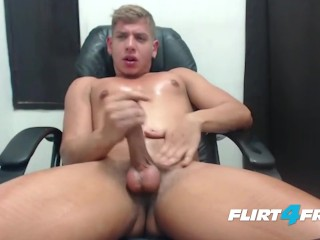Flirt4Free Blond Model Scott Simon Jerks Off in His Computer Chair