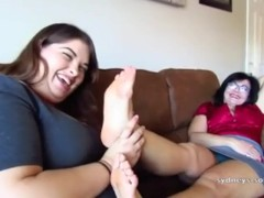 mom teach fat daughter how to worship feet