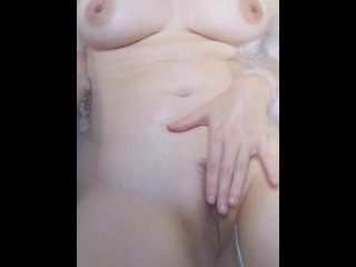 Nice shaving for a smooth pussy