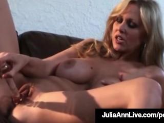 super sexy milf julia ann in jeans dildo bangs her pussy!