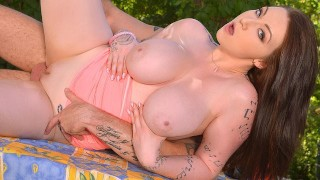 Busty Babe Harmony Reigns fucked Hardcore Outdoors