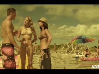Cody Horn and Olivia Munn in Magic Mike