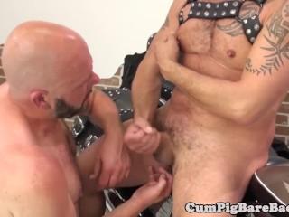 Finger banged bear gets his ass slammed