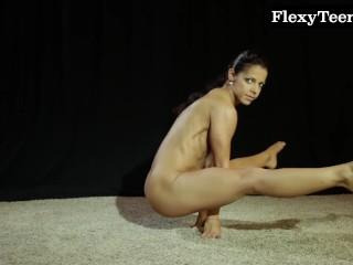 Hot ass gymnast dancing