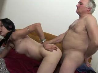 MATURE MAN FUCKS TEEN ON BED!!