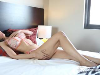 Yanks Chesty Contessa Doll Masturbating