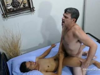 Daddy Bareback Fucks Asian Boy Marcon