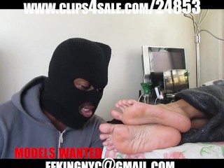 Sucking sexy latina feet