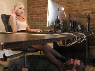 Avery's Business Hours - DreamgirlsClips.com