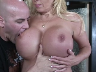 BLONDE CHEATING Milf LOVEs TO RIDE HARD COCK