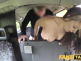 Imagen Fake Taxi Descarado minx necesidades de los taxistas gran polla para satisfacer sus