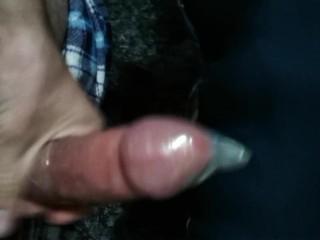 Masturbandome con condon y almohada