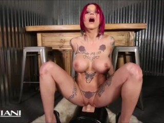 Anna Bell Peaks rides the Sybian and squirts