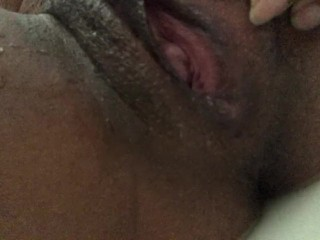 Making my pussy cum in the tub