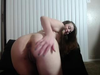 Hot Chubby White Girl Cums HARD