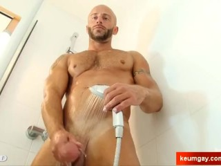 Stefen Handsome male's big dick to shake in spite of him.
