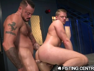 Bodybuilder Sean Duran Fists Brian Bonds Greedy Hole