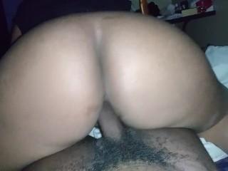 Big booty twerk on dick