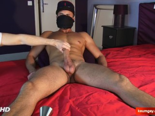 Yanis Handsome hetero male's big dick to wank in spite of him.