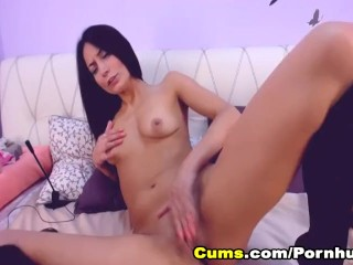 My Hot Girlfriend Fingering her Pretty Pussy