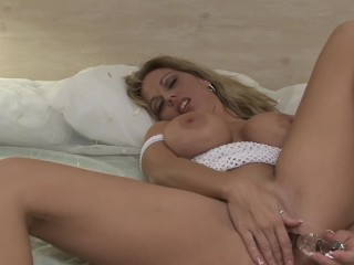 adorable blonde pornstar with huge tits gets all her wet holes licked