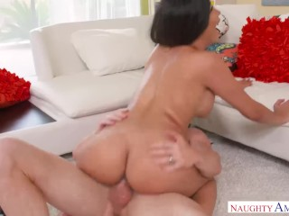 Etchnic babe Aaliyah Hadid will fuck for work! Naughty America