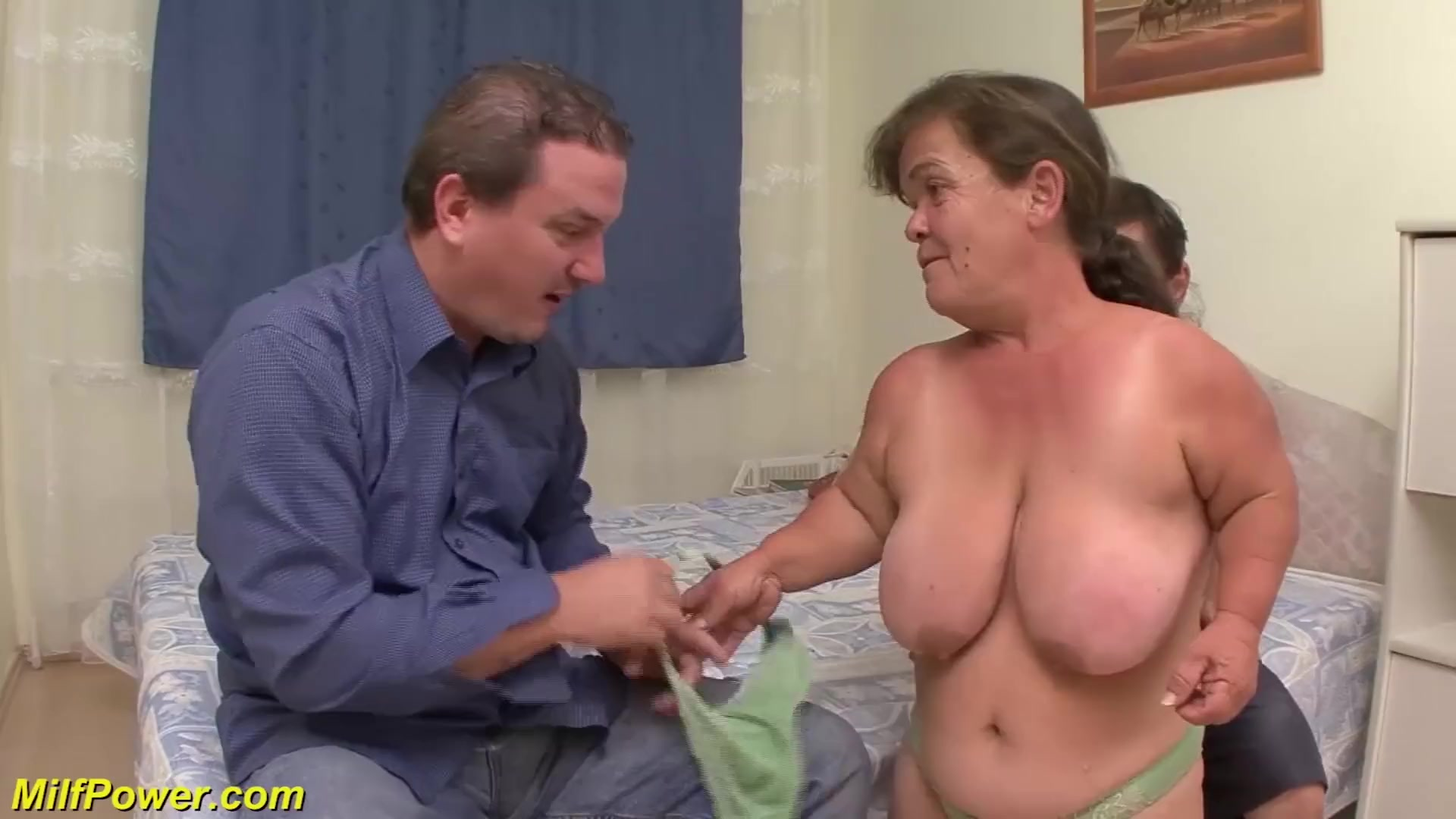 Tiny milf and her first sex in threesome