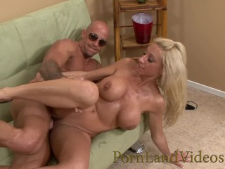 slutty blonde milf picked up in the laundry and taking cumshot in her mouth