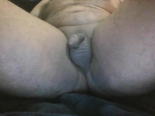 sissy bitch orgasem hands free and slaping pethatice dick