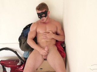 Maskurbate Str8 Stud Offered Modeling Gig- And he Jerks Off!