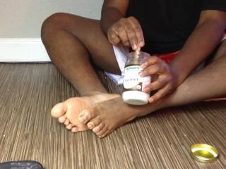 Getting Those Feet Oiled!!!