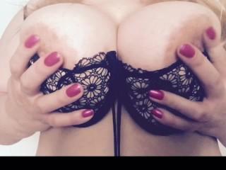 Curvy blonde bouncing boobs