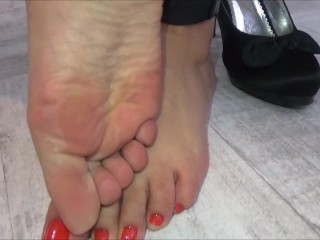 Girl gets her feet and her mouth fucked!