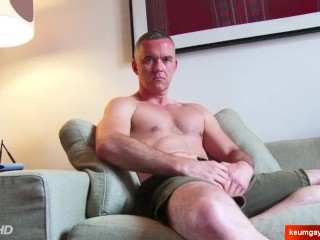 Mathieu Nice innocent mature sport dady serviced his cock by us.