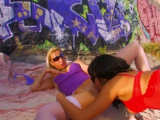 Lesbian Hotties Fuck Under A Hot Desert Sun